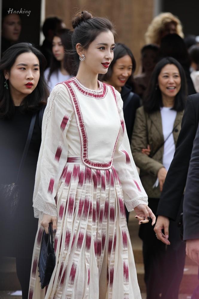 Angelababy xinh như công chúa giữa trời Paris - ảnh 17