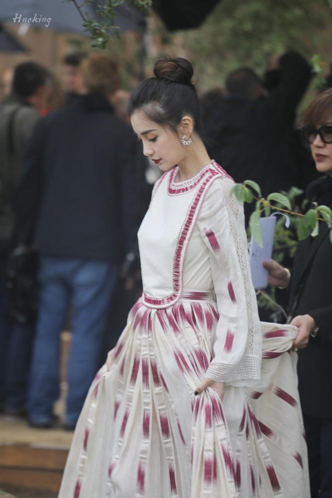 Angelababy xinh như công chúa giữa trời Paris - ảnh 14