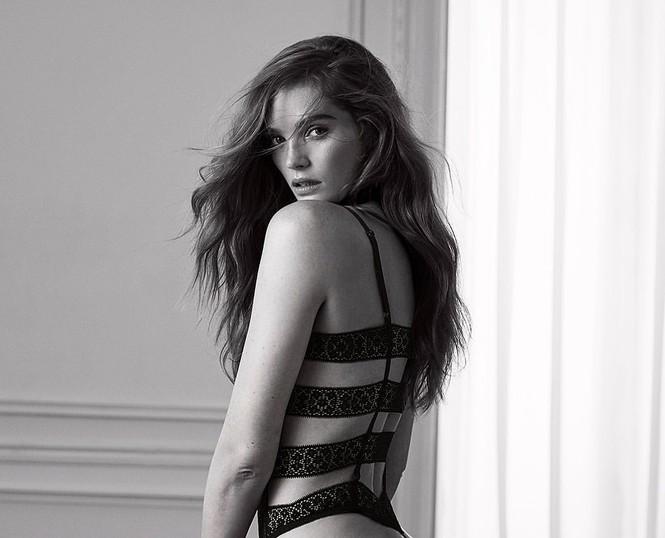 Alexina Graham là nàng mẫu mới gia nhập dàn thiên thần nội y của Victoria's Secret. - ảnh 16