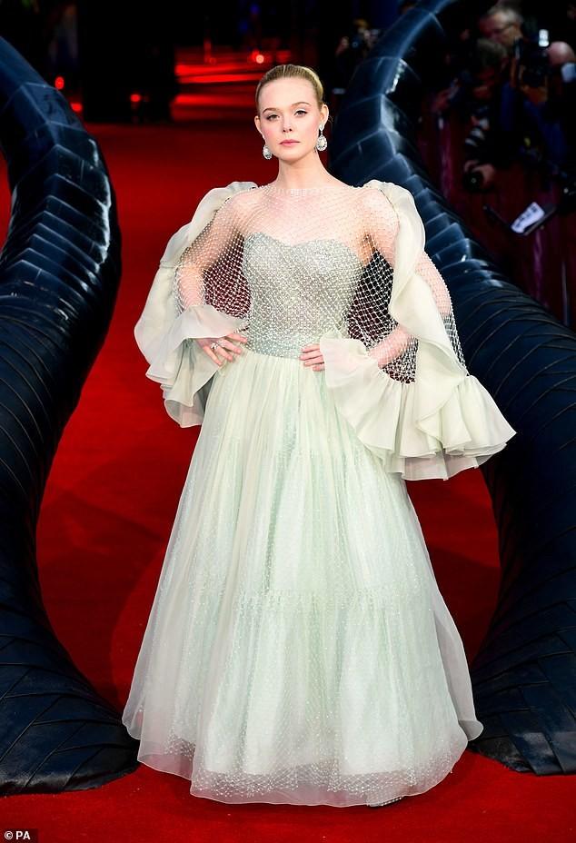 Diễn viên 9x Elle Fanning đẹp như công chúa bước ra từ cổ tích - ảnh 2