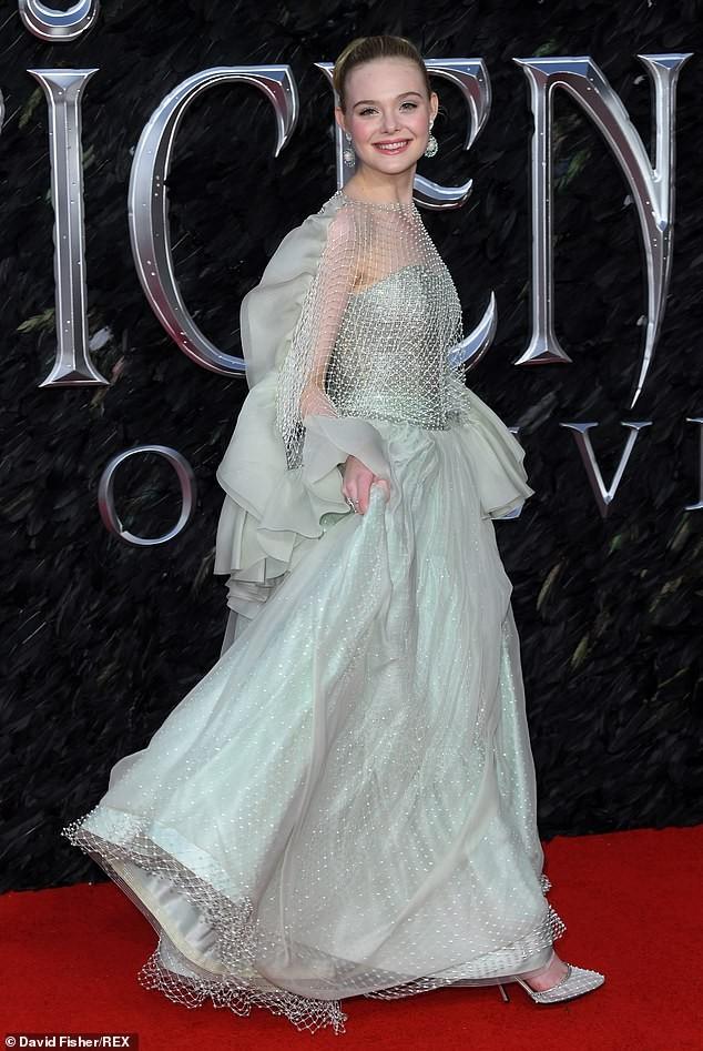 Diễn viên 9x Elle Fanning đẹp như công chúa bước ra từ cổ tích - ảnh 4