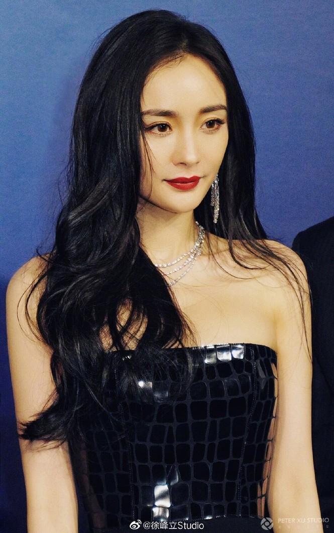 Dương Mịch diện váy xẻ quyến rũ tựa nữ thần - ảnh 6