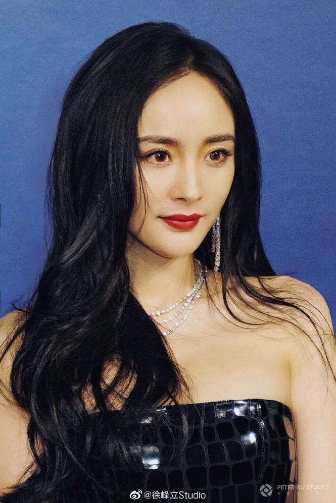 Dương Mịch diện váy xẻ quyến rũ tựa nữ thần - ảnh 7