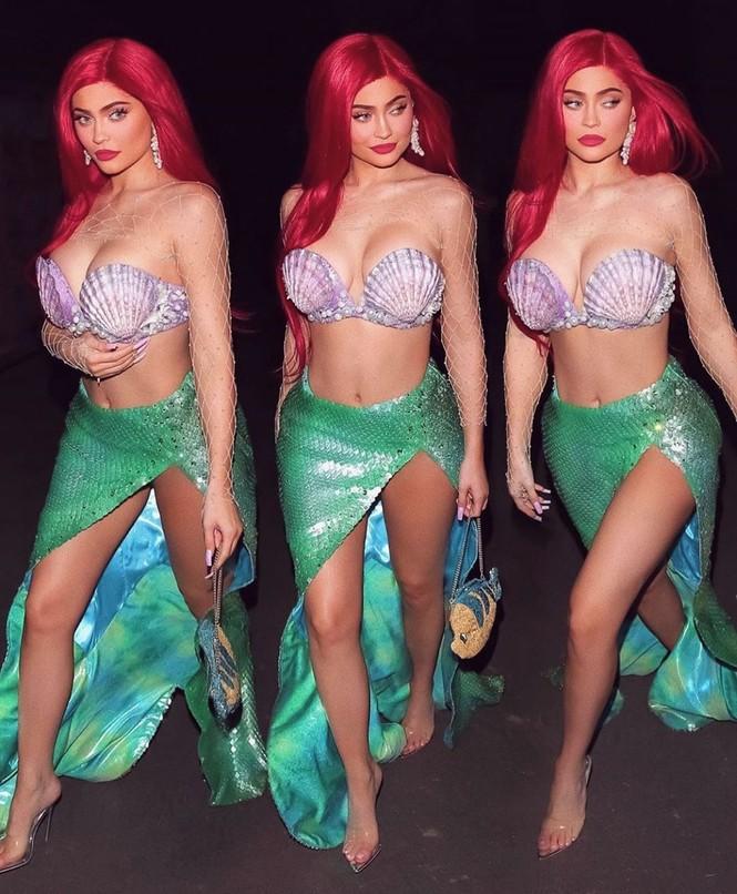 Em út tỉ phú nhà Kardashian rực lửa khi hóa thân thành Marilyn Monroe - ảnh 8