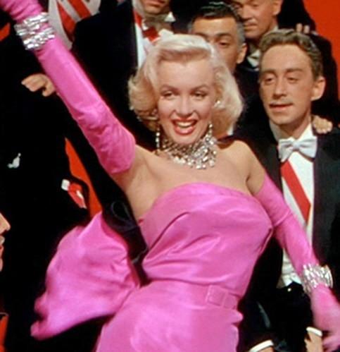 Em út tỉ phú nhà Kardashian rực lửa khi hóa thân thành Marilyn Monroe - ảnh 6
