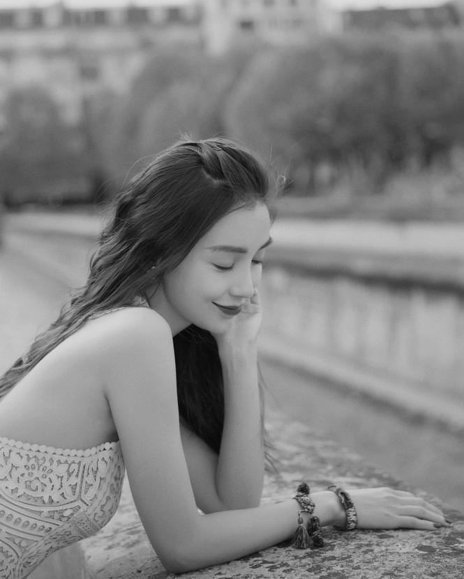 Angelababy thần thái đẹp xuất sắc, xóa tan tin đồn trục trặc với Huỳnh Hiểu Minh - ảnh 21