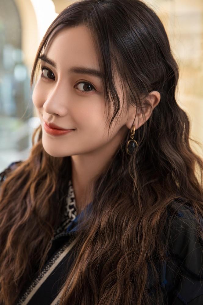 Angelababy thần thái đẹp xuất sắc, xóa tan tin đồn trục trặc với Huỳnh Hiểu Minh - ảnh 22