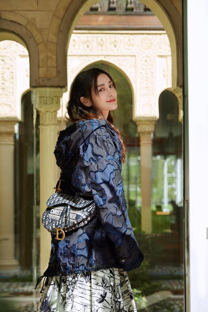 Angelababy thần thái đẹp xuất sắc, xóa tan tin đồn trục trặc với Huỳnh Hiểu Minh - ảnh 23