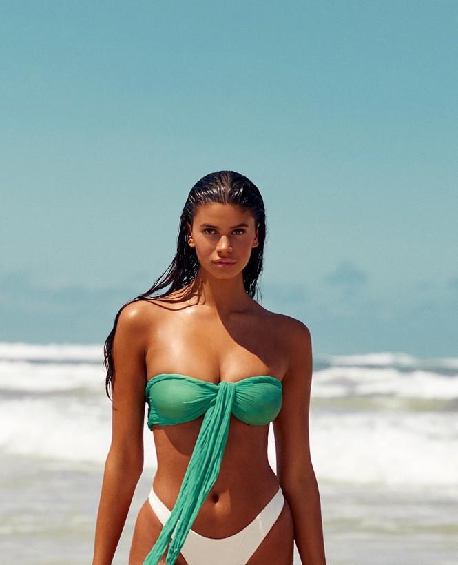 Ngất ngây dáng tròn đầy nảy nở của người đẹp 18 tuổi Lucciana Beynon - ảnh 5