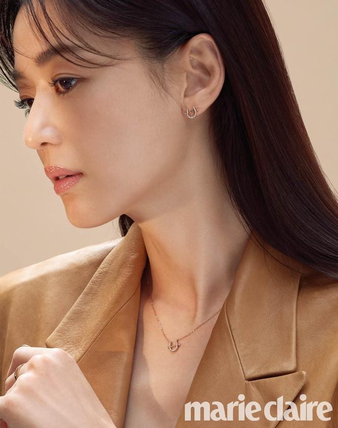 Ngỡ ngàng nhan sắc không tuổi của 'cô nàng ngổ ngáo' Jun Ji Hyun - ảnh 9