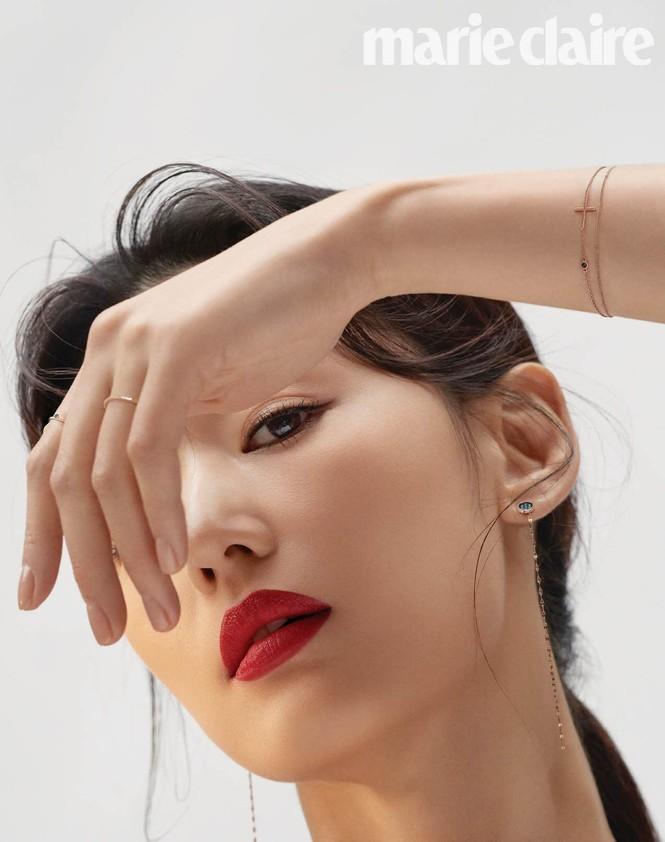 Ngỡ ngàng nhan sắc không tuổi của 'cô nàng ngổ ngáo' Jun Ji Hyun - ảnh 11