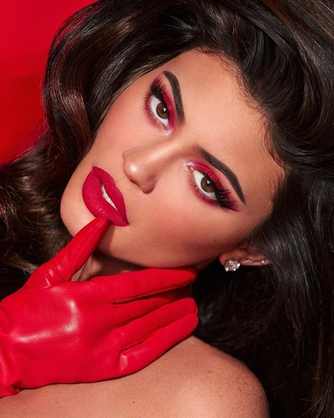 Em út tỉ phú nhà Kardashian quyến rũ đón Giáng sinh sớm - ảnh 6