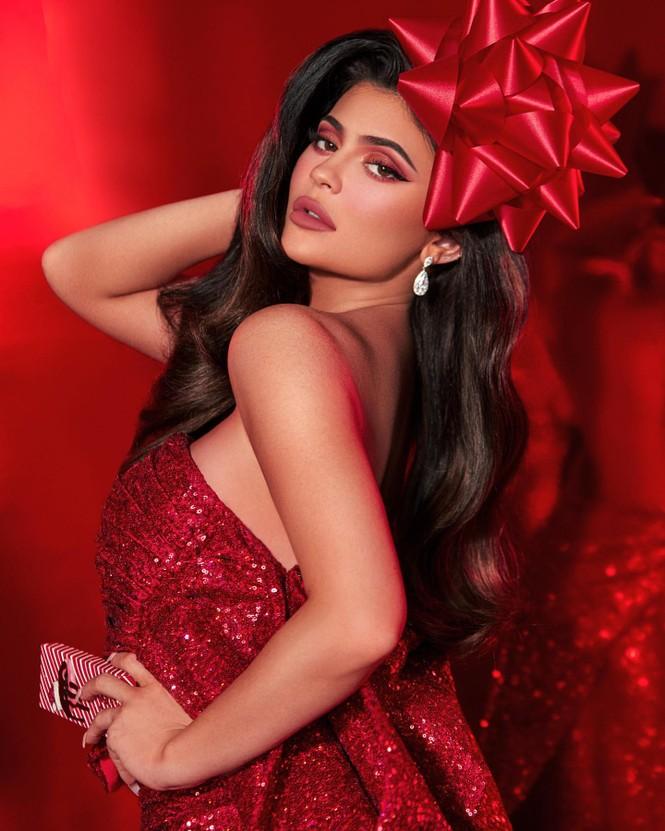 Em út tỉ phú nhà Kardashian quyến rũ đón Giáng sinh sớm - ảnh 2