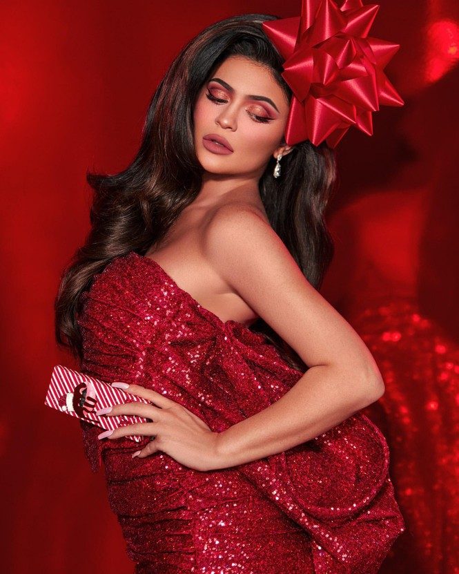 Em út tỉ phú nhà Kardashian quyến rũ đón Giáng sinh sớm - ảnh 4