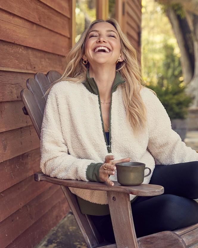 Kate Hudson 40 tuổi sinh 3 con trẻ trung như đôi mươi - ảnh 13
