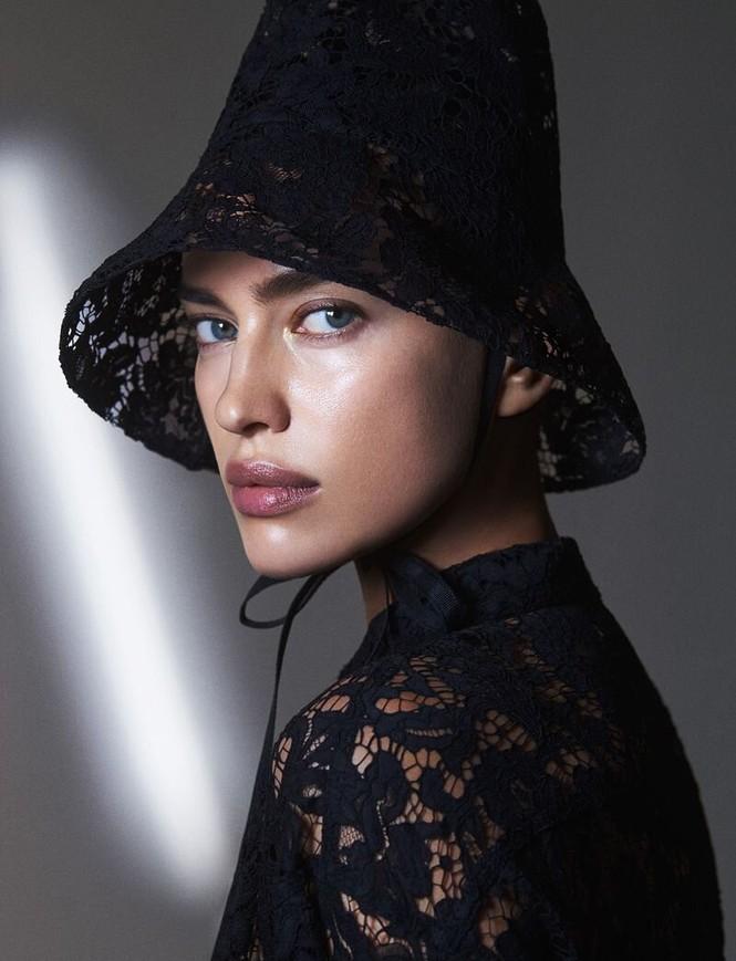 Irina Shayk không nội y đọ sắc vóc gợi cảm bên thiên thần nội y - ảnh 7