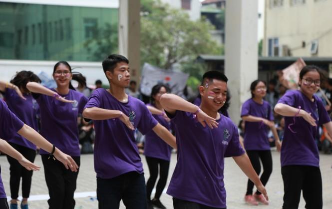 Ngày hội Flashmob náo nhiệt đa sắc màu của học sinh Chuyên Sư phạm - ảnh 4