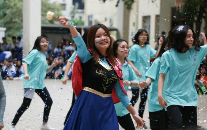 Ngày hội Flashmob náo nhiệt đa sắc màu của học sinh Chuyên Sư phạm - ảnh 7