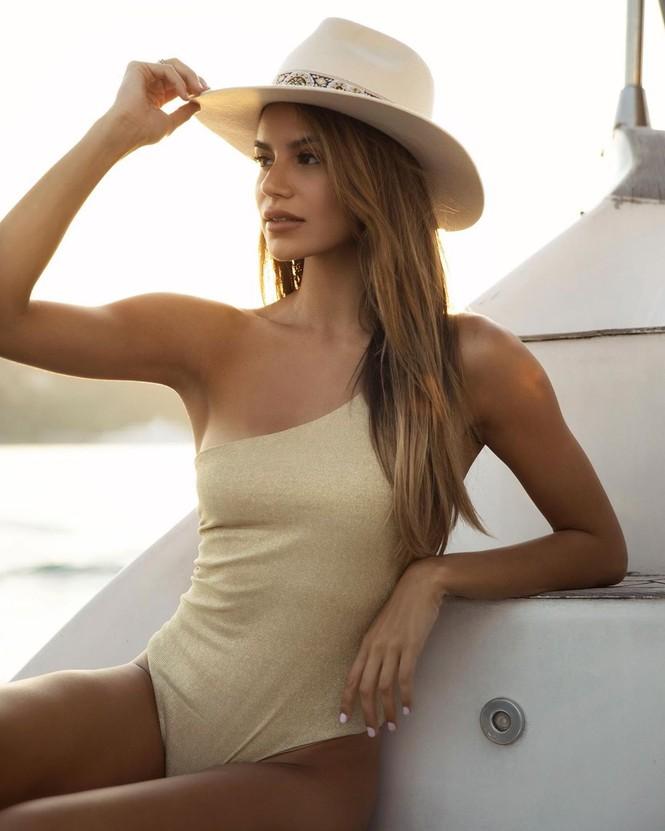 Mê đắm dáng vóc quyến rũ của người mẫu 9x Madison Reed  - ảnh 16