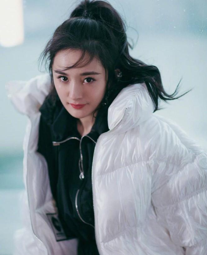 Dương Mịch ngày càng xinh đẹp với dáng vóc gợi cảm hút mắt - ảnh 6