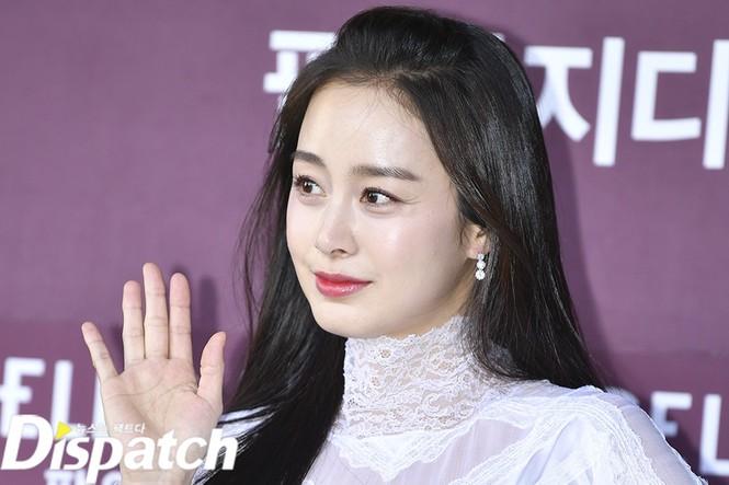 Kim Tae Hee nhan sắc và thần thái rạng ngời sau sinh con thứ 2 - ảnh 15