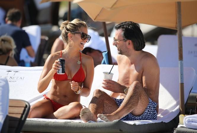 Sylvie Meis thả dáng nóng bỏng bên bạn trai ở Miami - ảnh 1