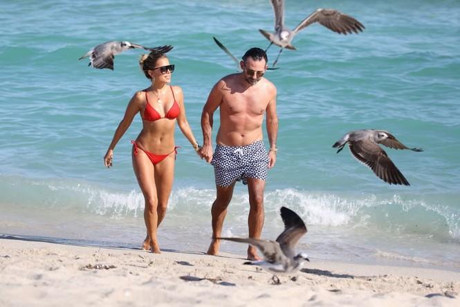 Sylvie Meis thả dáng nóng bỏng bên bạn trai ở Miami - ảnh 9