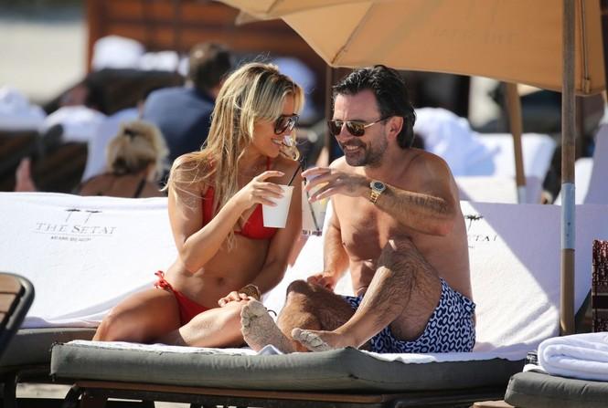 Sylvie Meis thả dáng nóng bỏng bên bạn trai ở Miami - ảnh 2