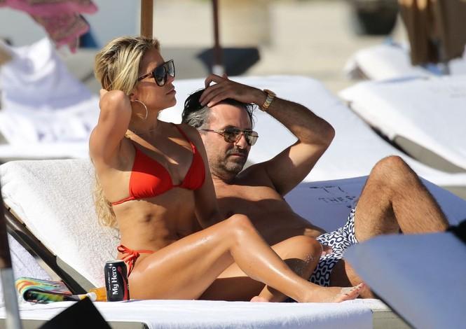 Sylvie Meis thả dáng nóng bỏng bên bạn trai ở Miami - ảnh 3