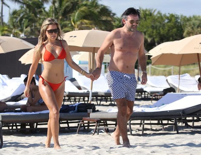 Sylvie Meis thả dáng nóng bỏng bên bạn trai ở Miami - ảnh 6