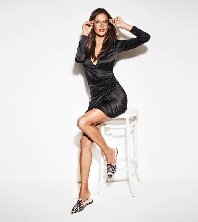 Ngất ngây ngắm đôi chân dài trứ danh của siêu mẫu Alessandra Ambrosio  - ảnh 8
