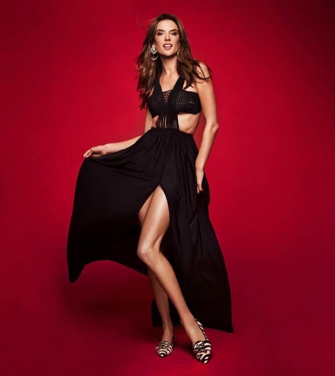 Ngất ngây ngắm đôi chân dài trứ danh của siêu mẫu Alessandra Ambrosio  - ảnh 14