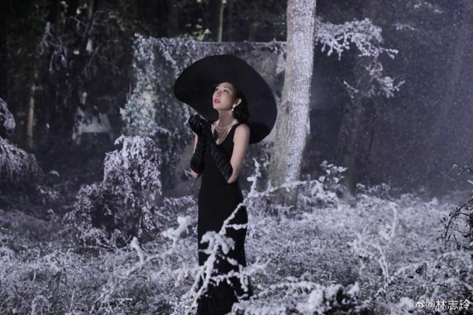 Siêu mẫu xứ Đài Lâm Chí Linh say đắm bên chồng trẻ sau kết hôn - ảnh 9