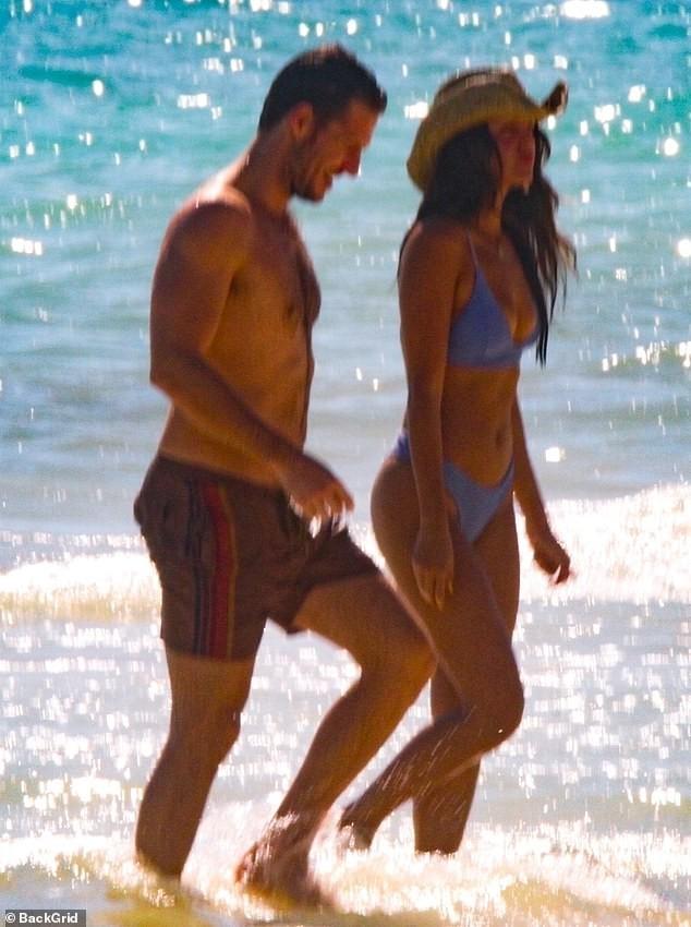 Bóng hồng 'Fast & Furious' diện bikini say đắm bên bạn trai ở Mexico - ảnh 1
