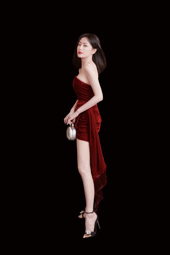 Người đẹp 'Diên Hi Công Lược' 40 tuổi trẻ đẹp gợi cảm ngỡ ngàng - ảnh 8