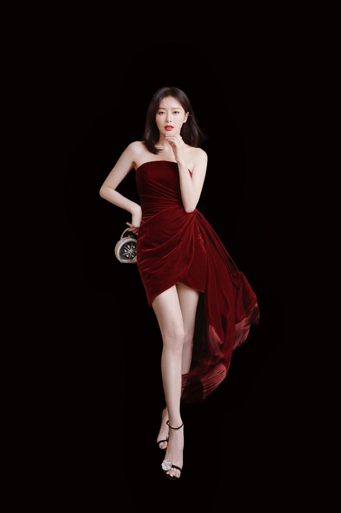 Người đẹp 'Diên Hi Công Lược' 40 tuổi trẻ đẹp gợi cảm ngỡ ngàng - ảnh 9