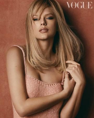 Taylor Swift bất ngờ khoe dáng tròn đầy nảy nở - ảnh 2