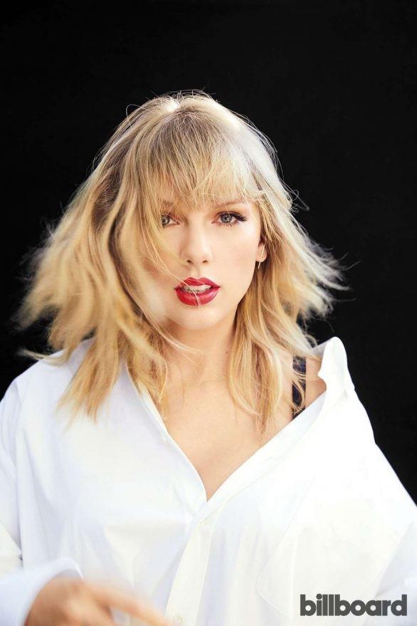 Taylor Swift bất ngờ khoe dáng tròn đầy nảy nở - ảnh 6