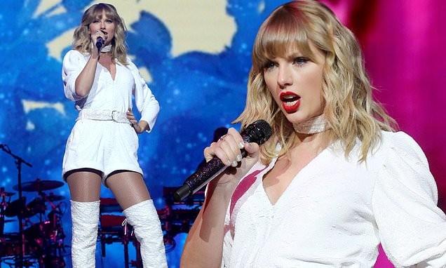 Taylor Swift bất ngờ khoe dáng tròn đầy nảy nở - ảnh 12