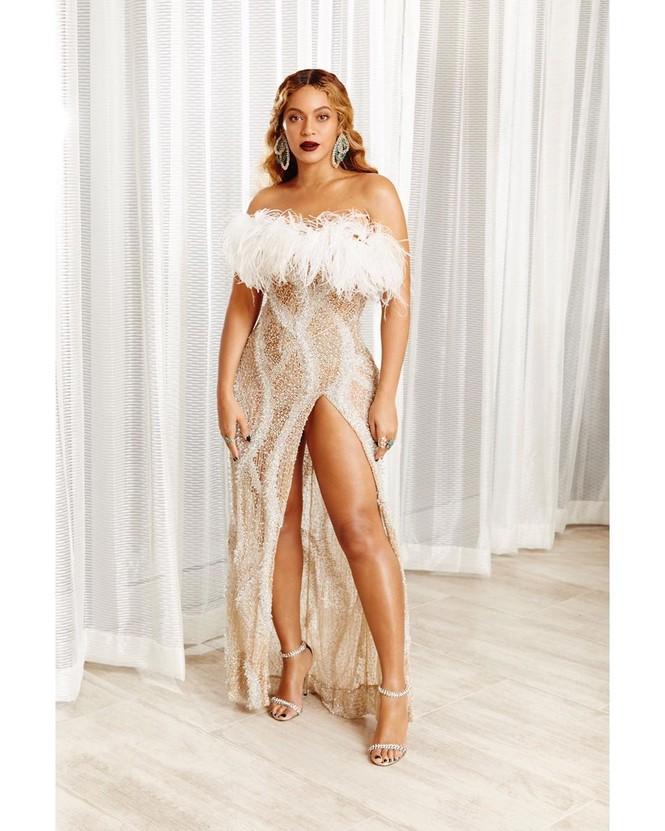 Beyonce diện váy bó xẻ cao tôn đường cong bốc lửa - ảnh 8