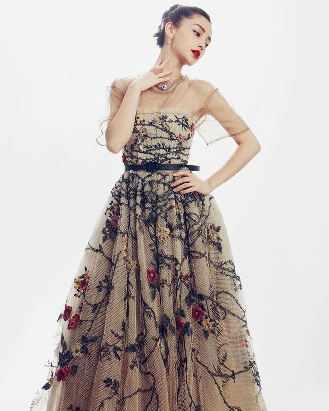 'Công chúa' Angelababy xinh đẹp lộng lẫy 'vạn người mê' - ảnh 1