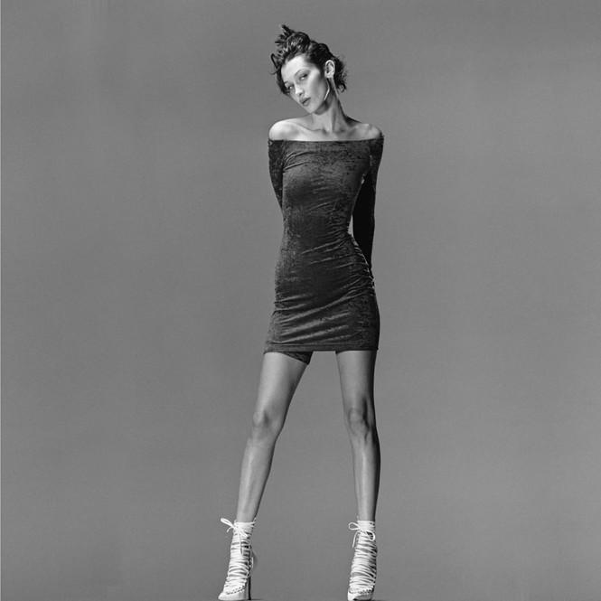 Bella Hadid diện bikini tôn đường cong Vệ nữ - ảnh 6