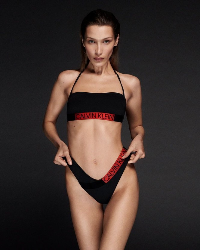Bella Hadid diện bikini tôn đường cong Vệ nữ - ảnh 2