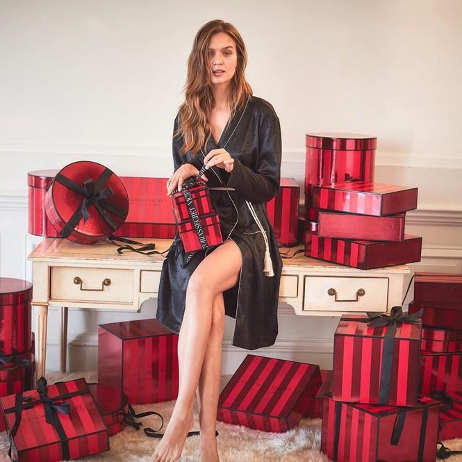 Dàn người đẹp Victoria's Secret rực lửa đón Giáng sinh - ảnh 8