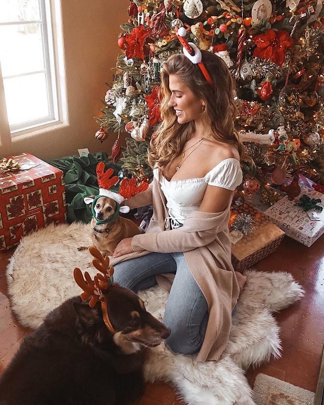 Chị em Kim Kardashian, tưng bừng không khí Noel - ảnh 3