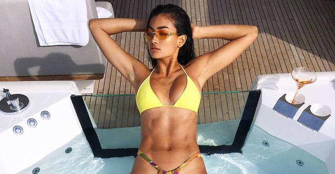 Người đẹp lai cao 1m80 Kelly Gale nóng bỏng ở Bali - ảnh 3