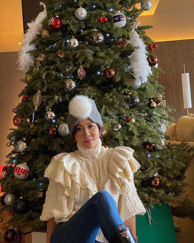 Chị em Kim Kardashian, tưng bừng không khí Noel - ảnh 15