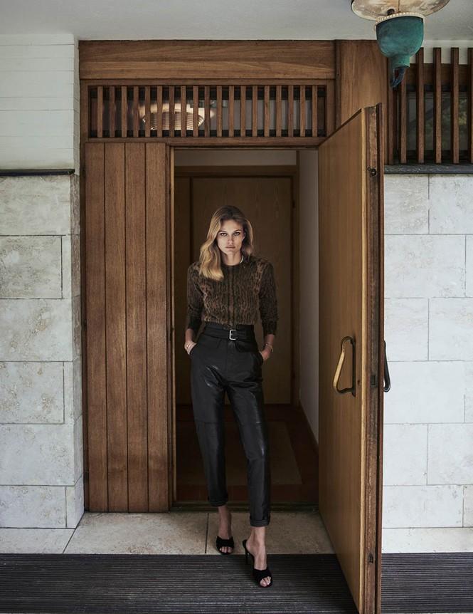 Mê đắm đôi chân dài và đường cong tuyệt mỹ của Edita Vilkeviciute - ảnh 11