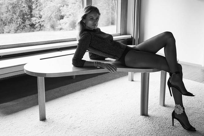 Mê đắm đôi chân dài và đường cong tuyệt mỹ của Edita Vilkeviciute - ảnh 1