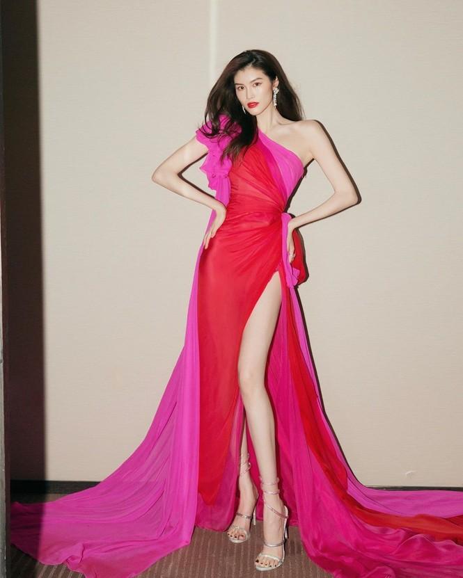 Mỹ nhân nội y gốc Hoa dáng hoàn hảo, chân dài miên man - ảnh 1